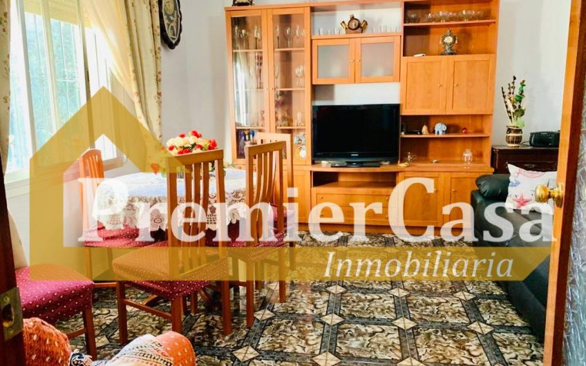Se vende casa independiente en Almayate con parcela de 2800m2